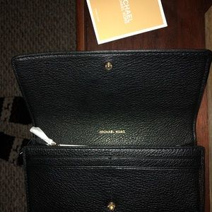 "Michael Kors Bags - MICHAEL KORS ""LILLIE"" LEATHER WALLET - NWT"